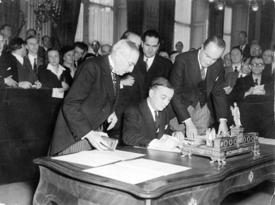 Signature charte OECE