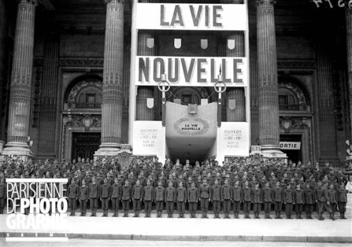 LVF devant expo Vie Nouvelle